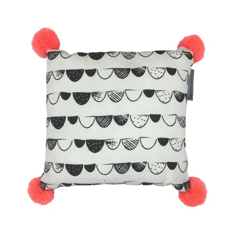 black spotted scallop cushion